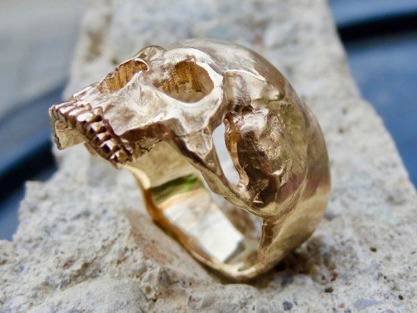 Skull ring gold
